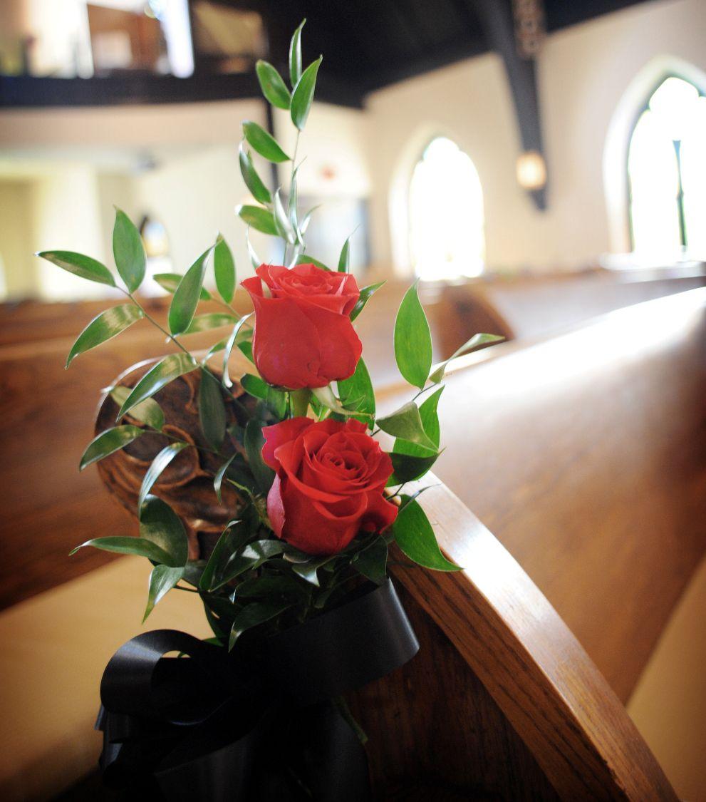 Wedding Chair Amp Pew Flowers